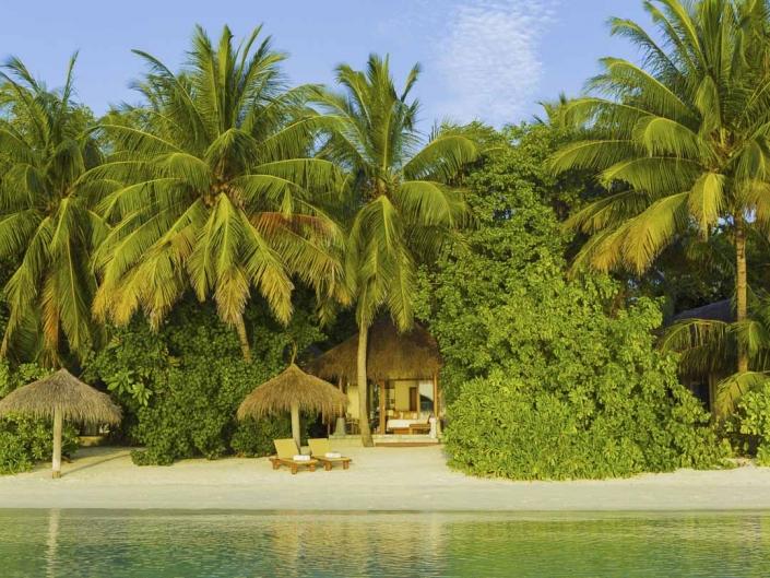Villa weißer Strand Traumreisen indischer Ozean