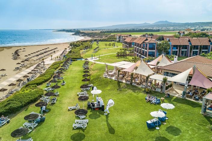 Club Aldiana Zypern Strand und Garten Liegewiese