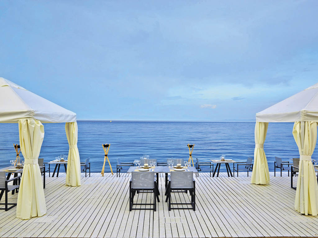 Marbella Corfu La Bussola Sea Food Restaurant direkt am Meer