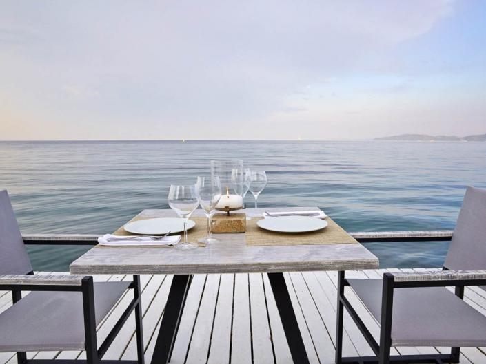 Luxuriöses 5 Sterne Resort Unser Tisch am Meer