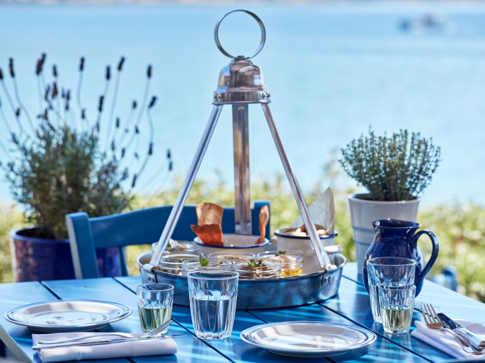 Blue Door Greek Tavern Öle