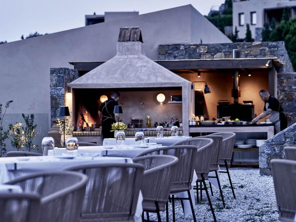 Hotel Restaurant Anthos im Freien