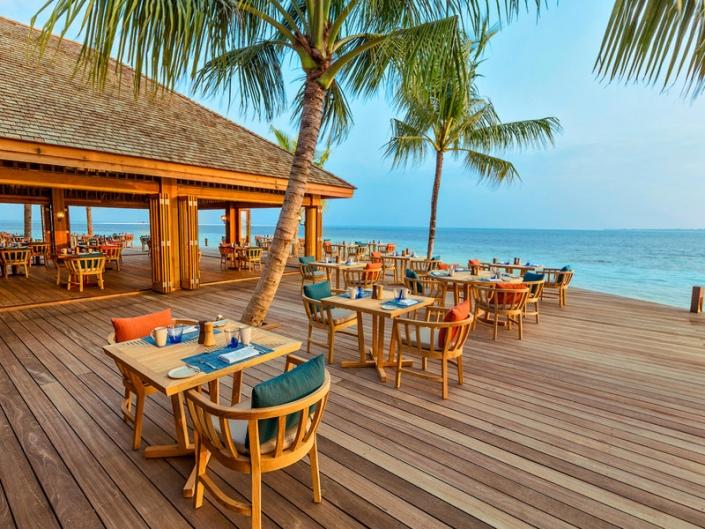 Hurawalhi Island Resort Restaurant