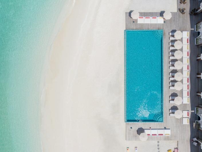 Luftaufnahme Pool