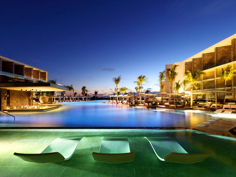 TRS Coral Hotel Cancun - Poolbar Outdoor Swim up Bar