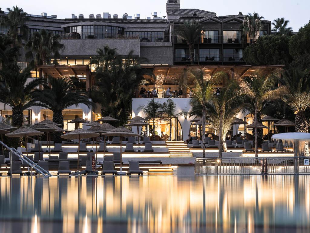 Club Marvy Hotelpanorama mit Pool
