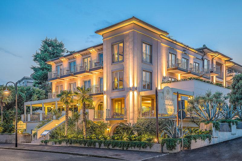 Villa Rosa Desenzano Hotelanblick am Abend
