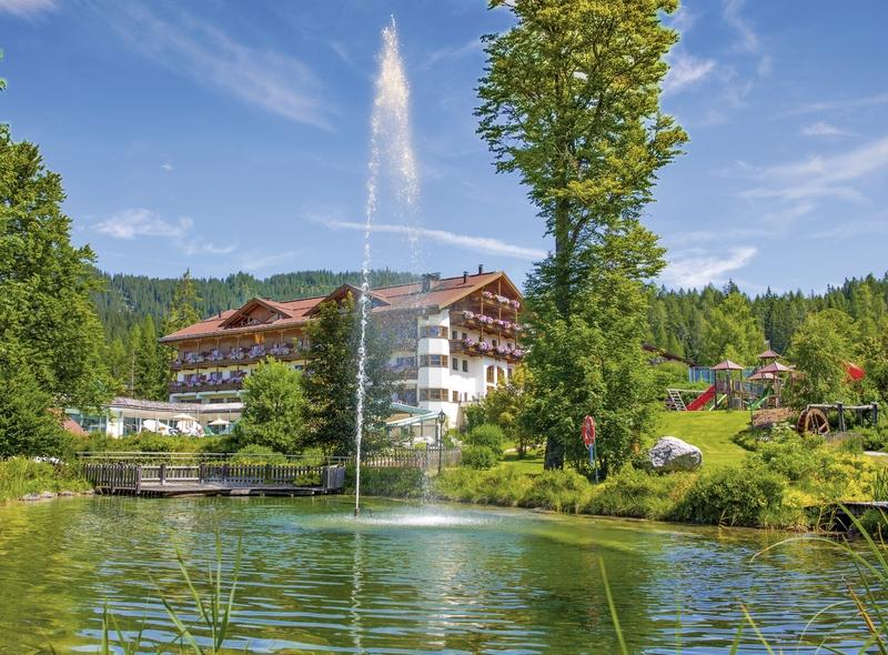 Aktiv und Familienresort Tiroler Zugspitze Hotel und Garten Anblick