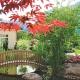 Linde Gartenhotel Tirol Brücke im Garten