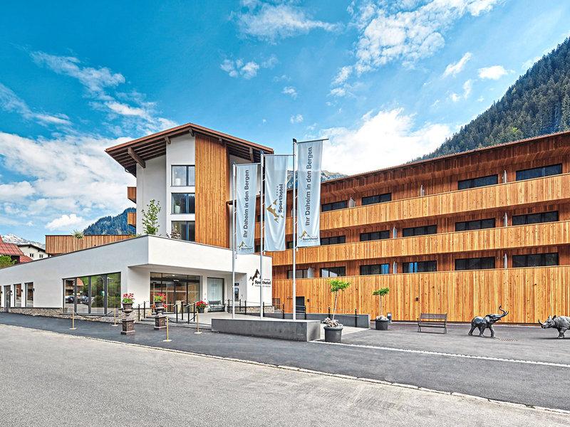 Sporthotel Silvretta Montafon Vorarlberg Anblick im Sommer