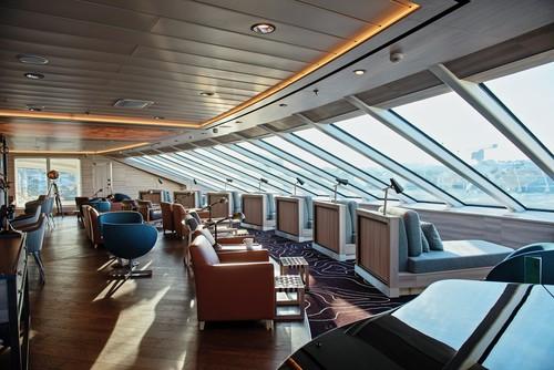 MS Fridtjof Nansen und MS Roald Amundsen Explorer Lounge und Bar