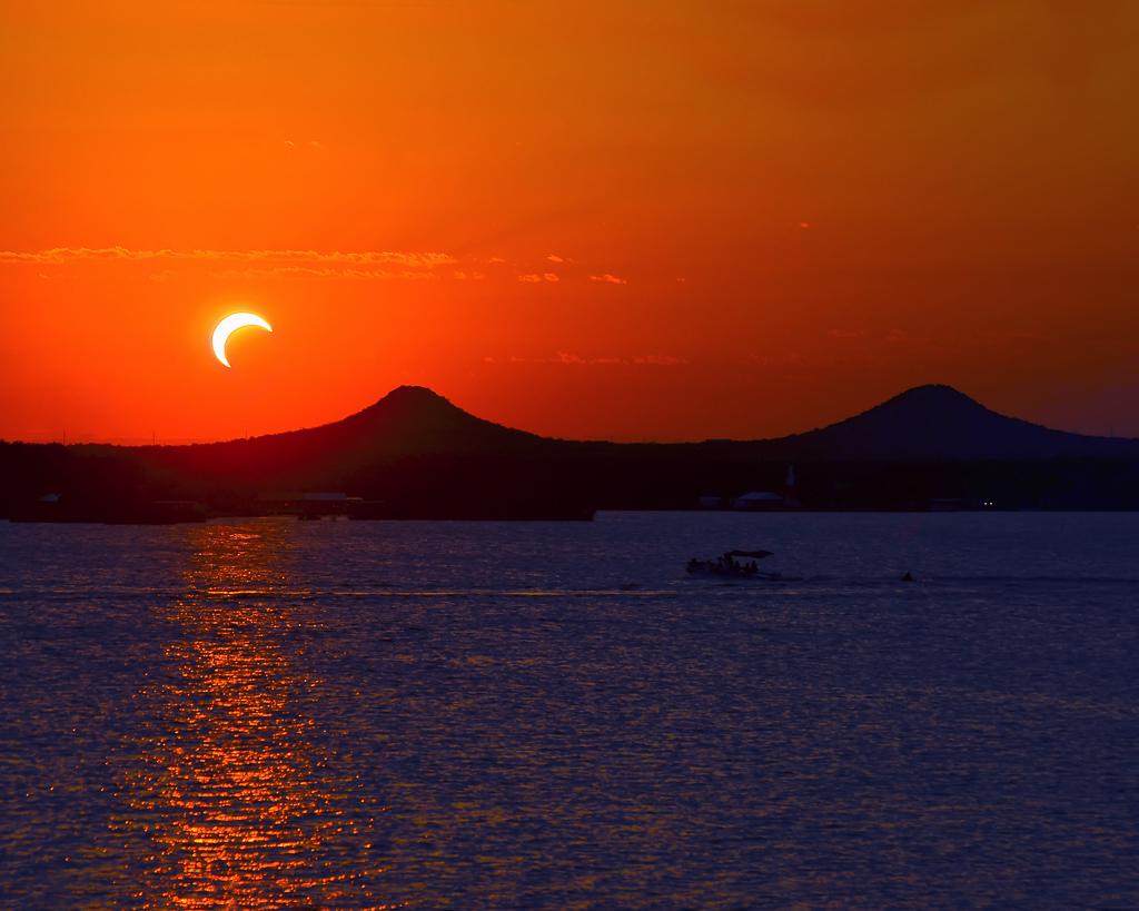 Sonnenuntergang geniessen auf der Fahrt in die Antarktis