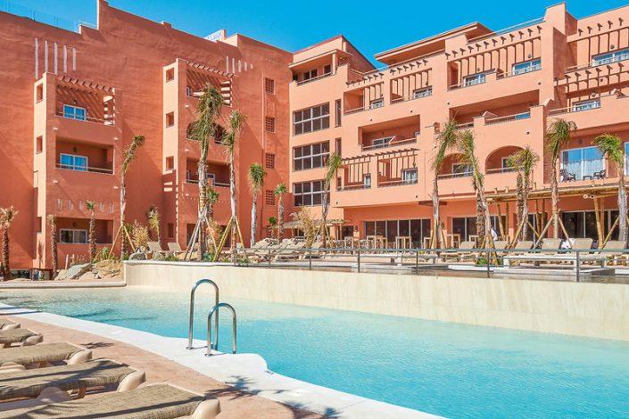 The Tarifa Lances - Hotel und Pool Ansicht