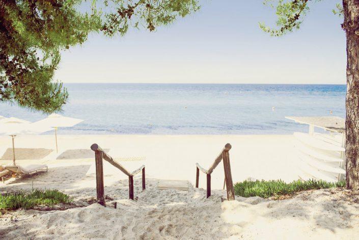 Ikos Oceania 5-Sterne Luxus Der Strand lädt zum Verweilen ein