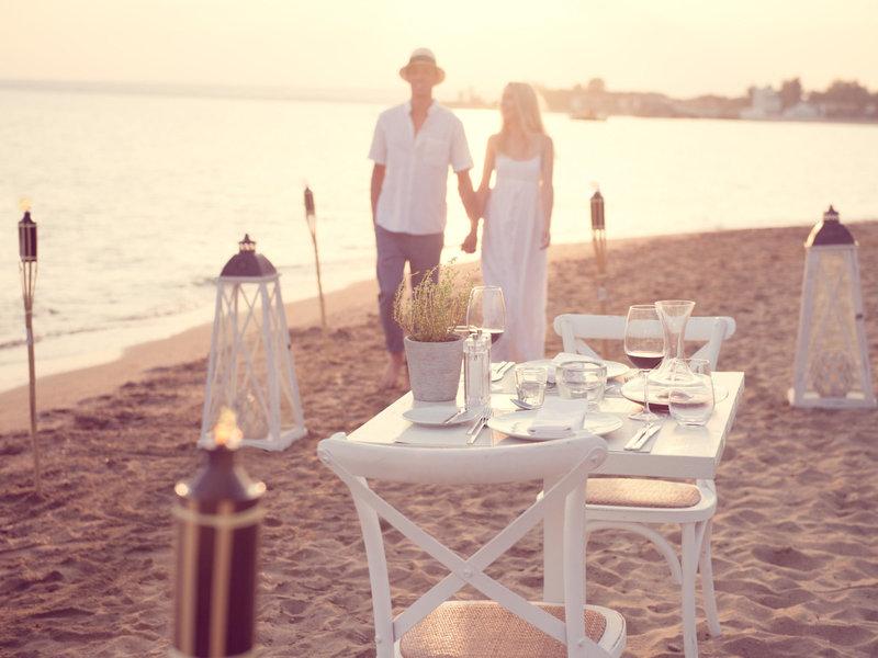 Ikos Olivia 5-Sterne Luxus - Dinner zu zweit am Strand