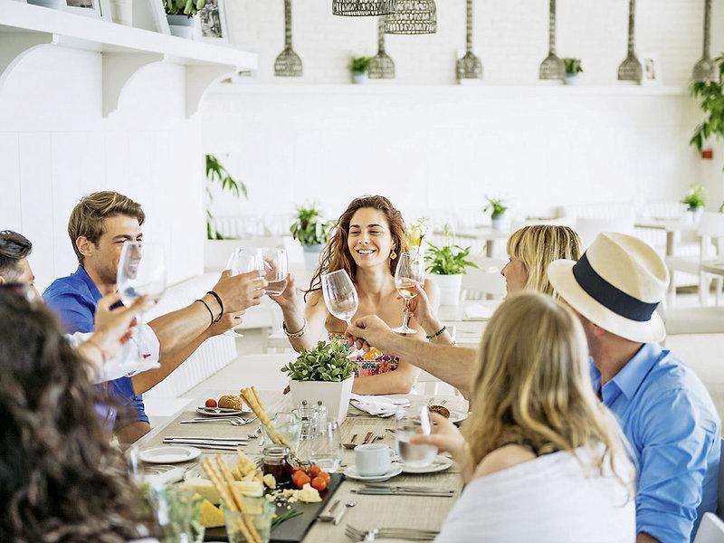 Ikos Dassia 5-Sterne Luxus - Dinner mit Freunden