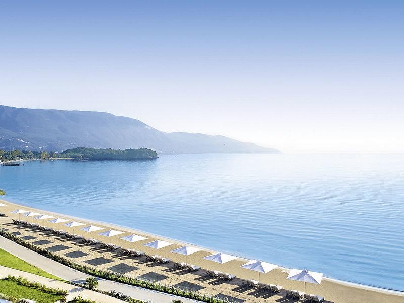 Ikos Dassia 5-Sterne Luxus - Blick über Strand und Meer