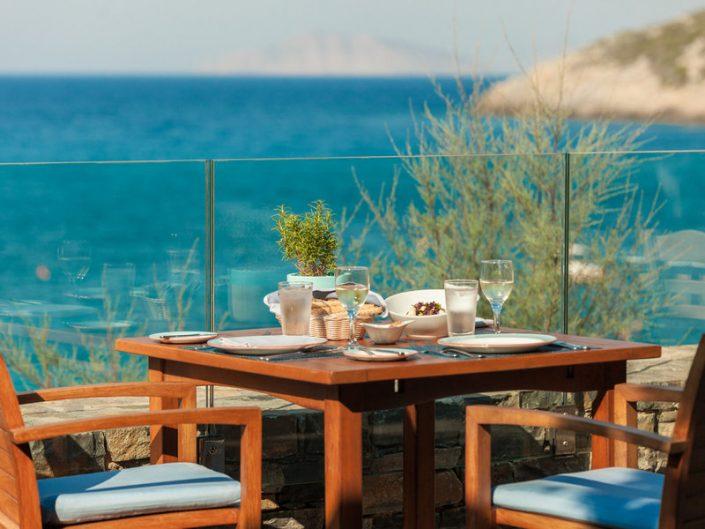 Frühstück mit Meeresblick