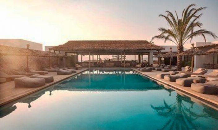 OKU 5-Sterne Erwachsenenhotel Kos - Relaxliegen am Pool