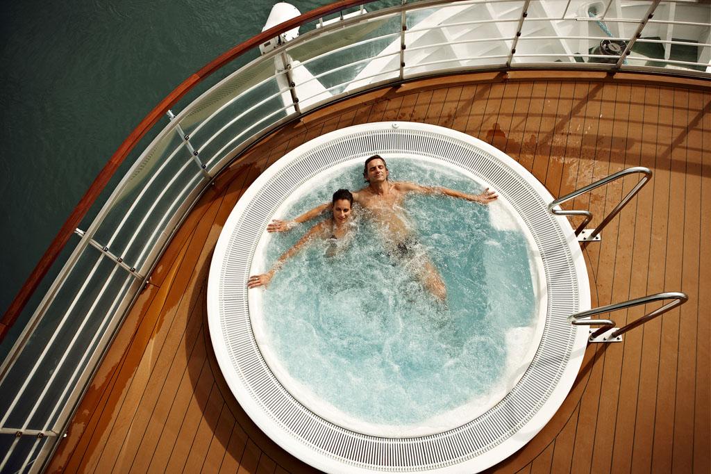 Im Deck Whirlpool