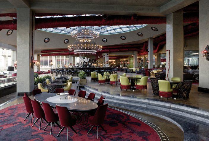 Der luxuriöse Bar Bereich