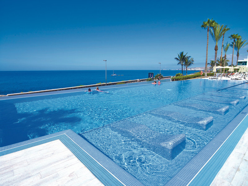 RIU Palace Meloneras Kanaren - Infinity Pool mit Meeresblick