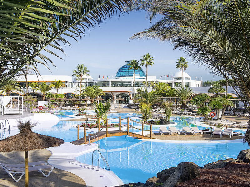 Elba Lanzarote Royal Village Resort - Blick über die Poollandschaft
