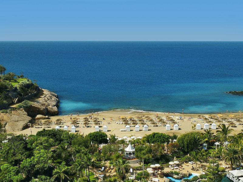 Bahia Del Duque Resort Teneriffa - Ausblick auf Strand und Gartenbereich