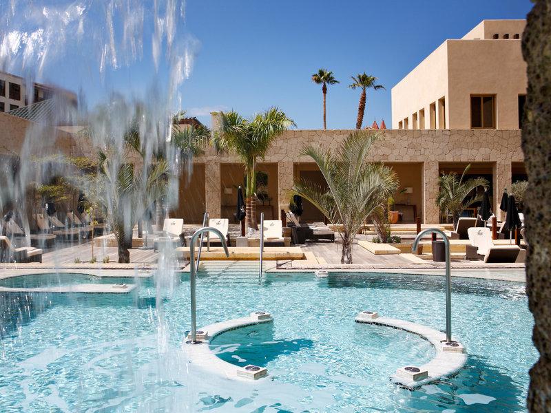 Entspannen und geniessen im Poolbereich