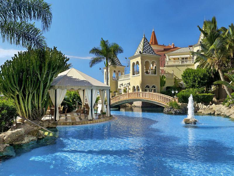 Bahia Del Duque Resort Teneriffa - Gediegen im Pool paddeln