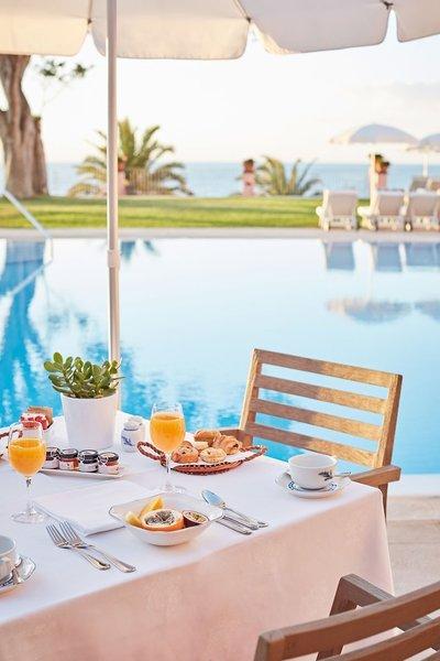Belmonds Reids Palace Madeira - Frühstück unter der Sonne