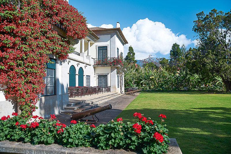 Blick auf Garten und Terrasse