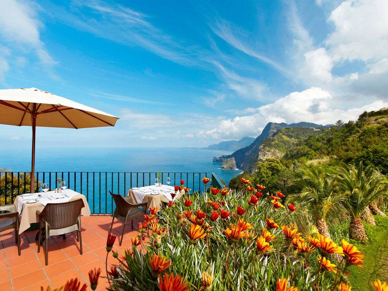 Quinta do Furao - Lunch unter strahlend blauem Himmel mit Blick auf den Atlantik