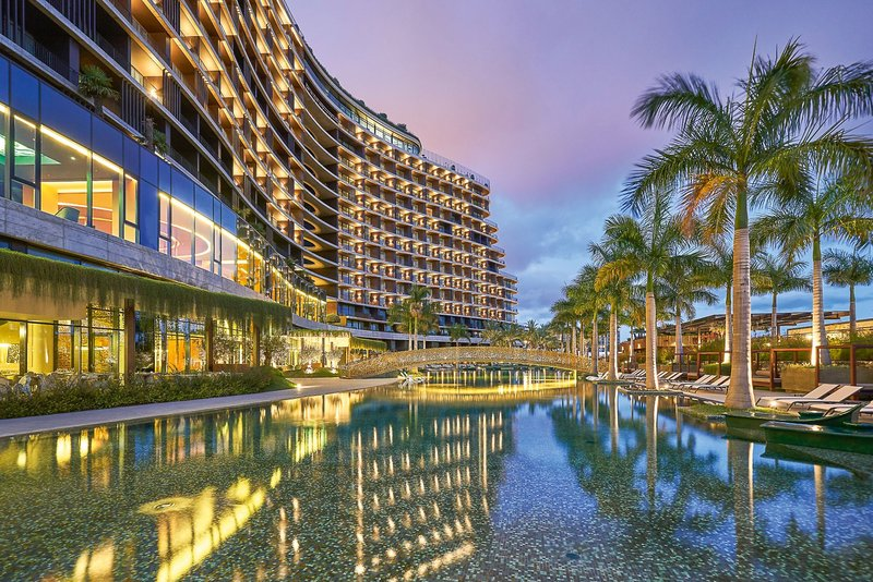 Savoy Palace Funchal Madeira, Hotel und Pool am Abend