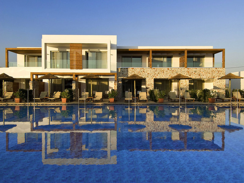 TUI BLUE Palazzo del Mare auf Kos - Pool vor den Terrassen