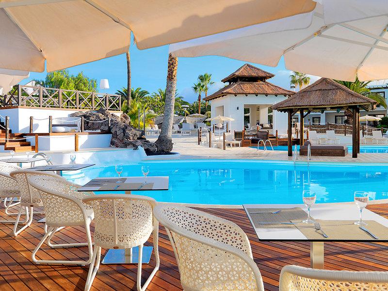 An der Poolbar