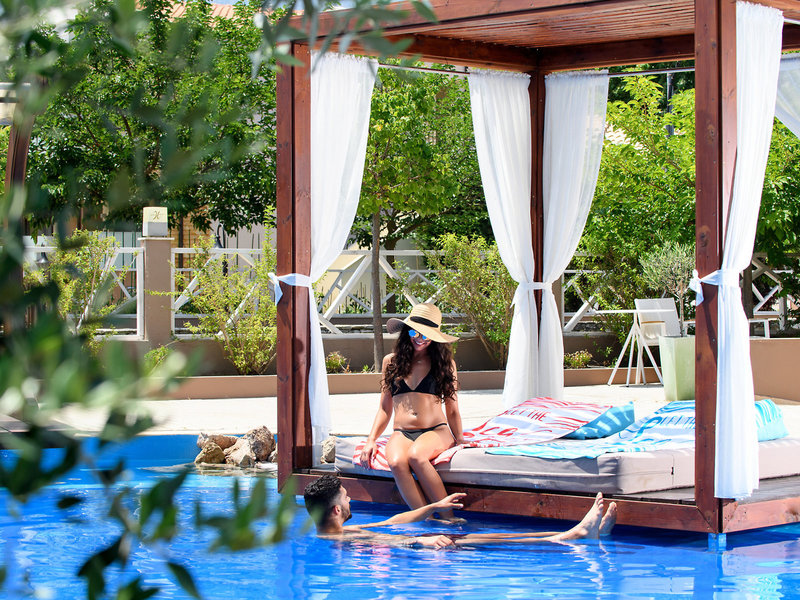 Alexandra Golden Boutique Thassos - Von der Relaxliege in den Pool
