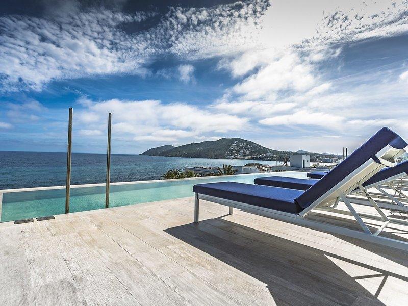 Catalonia Royal Ibiza - Vom Infinity Pool in den Himmel