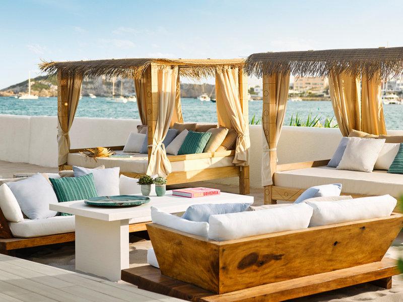 Nobu Luxus Strand Resort - Im Loungebar Bereich