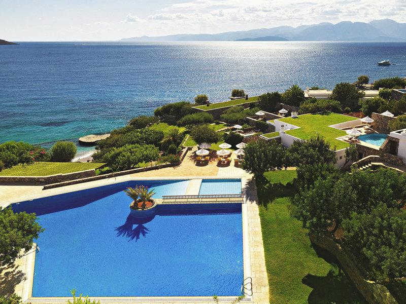 Elounda Mare Hotel Kreta - Blick über die Pools zum Meer