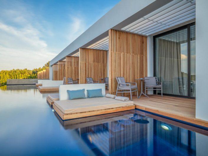 Zante Maris Suites Zakynthos - Wohnbeispiel mit Terrasse und Swim Up Pool