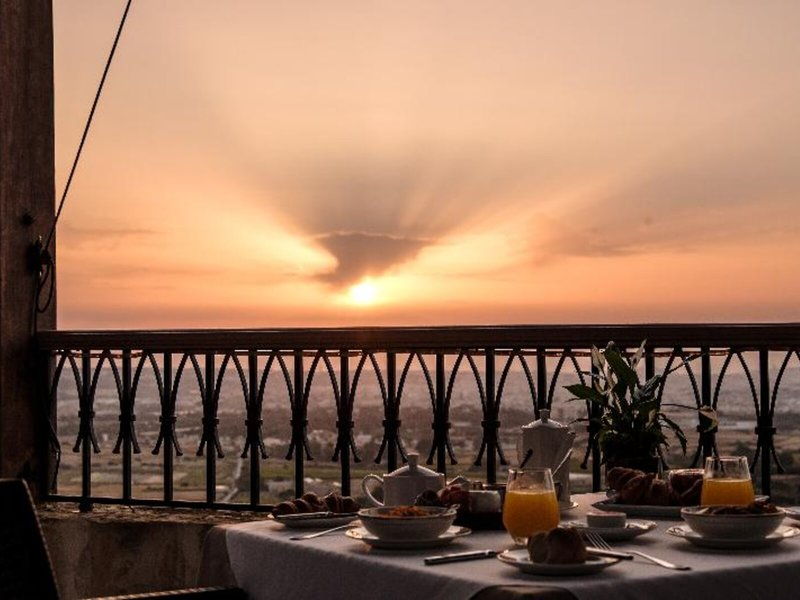 Xara Palace Relais Malta - Frühstück bei Sonnenaufgang