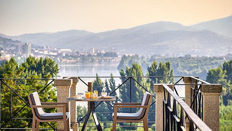 Six Senses Douro 5-Sterne im Douro Valley - Frühstück mit Blick über den Douro und die Weinberge