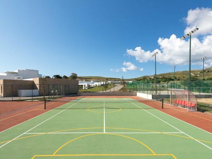 Beim Tennis oder auf dem Sportplatz
