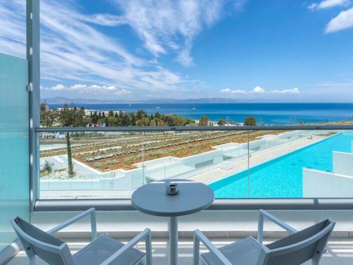 Wohnbeispiel mit Balkon und Meerblick