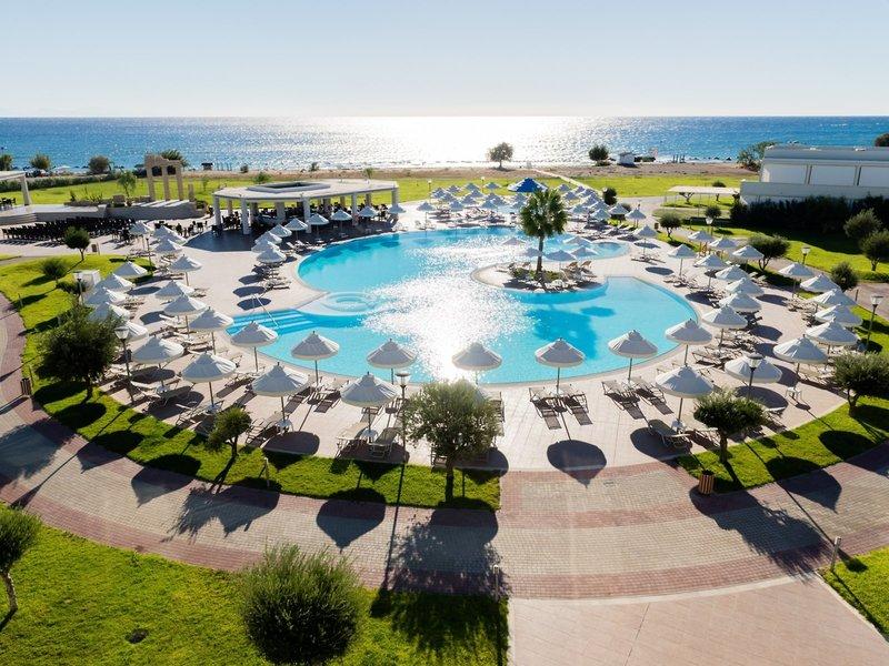 Apollo Blue Hotel Rhodos - Der Pool im perfektem Licht am Morgen