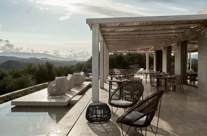 Olea All Suite Zakynthos - An der Hotelbar mit grandiosem Blick über die Insel