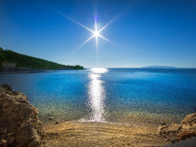 Design Hotel Navis Opatija - Blick auf das traumhafte Meer in der Bucht