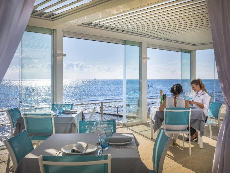 Restaurant mit grandiosem Meerblick