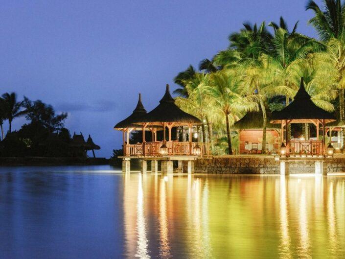 Paradise Cove Mauritius - Romantisches Dinner am Abend